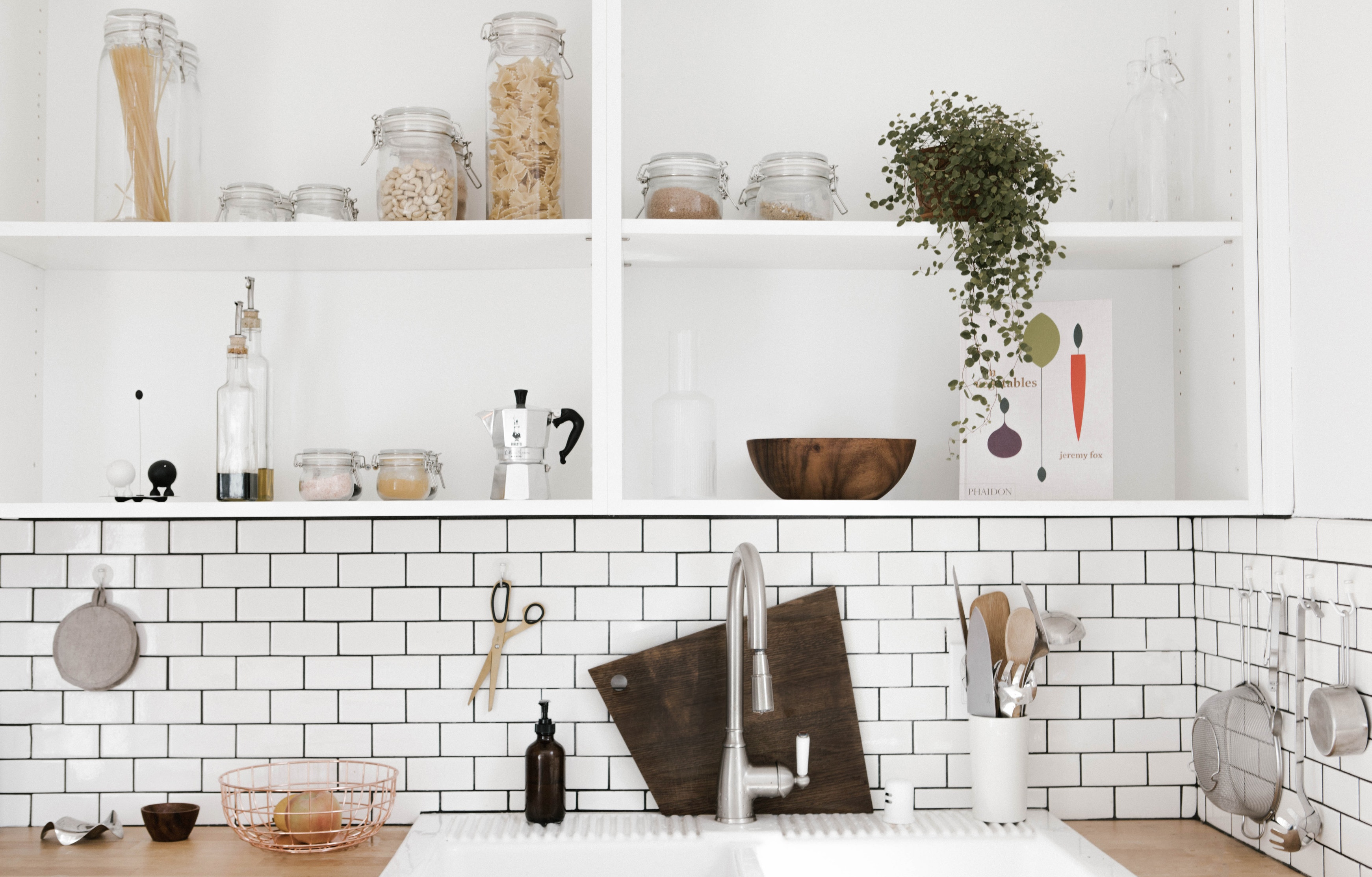 Mybuilder 5 types of tile and where to use them mybuilder tiles are a great solution for floor and wall coverings as theyre not only practical and hard wearing but stylish too however with so much choice on dailygadgetfo Gallery